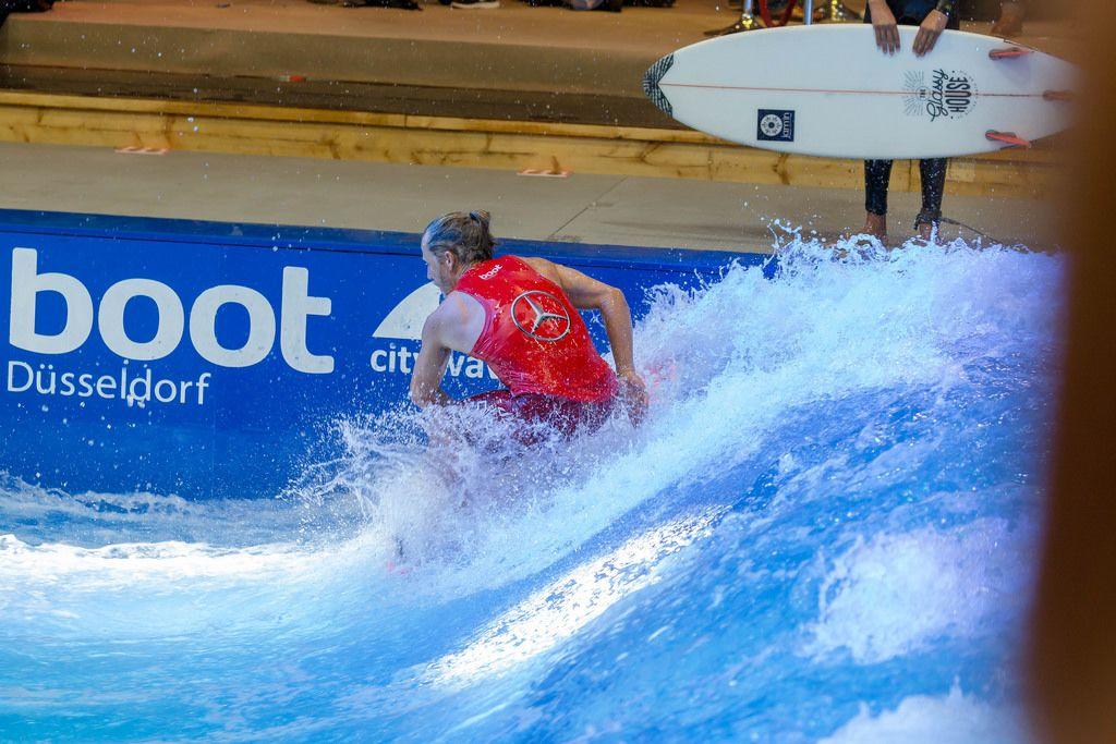Deep water surf machine by Citywave at fair Boot Düsseldorf 2018