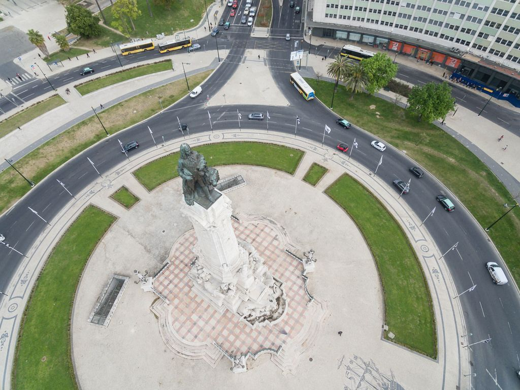 Der Rossio-Platz in Lissabon, Portugal (Drohnenfoto)