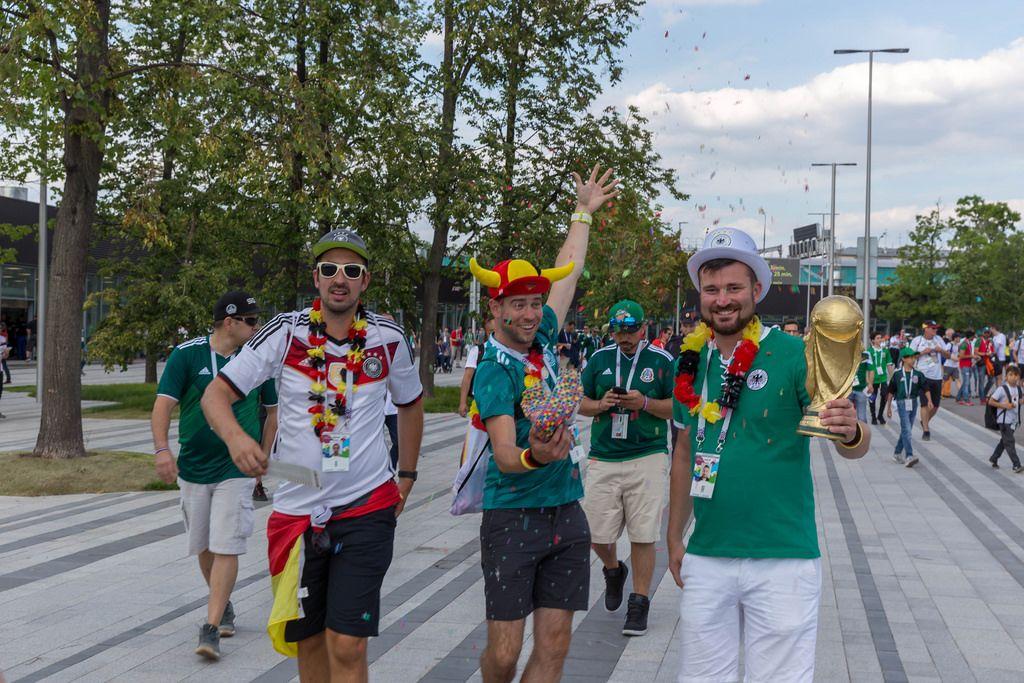 Deutsche Fußball-Fans auf den Straßen Moskaus