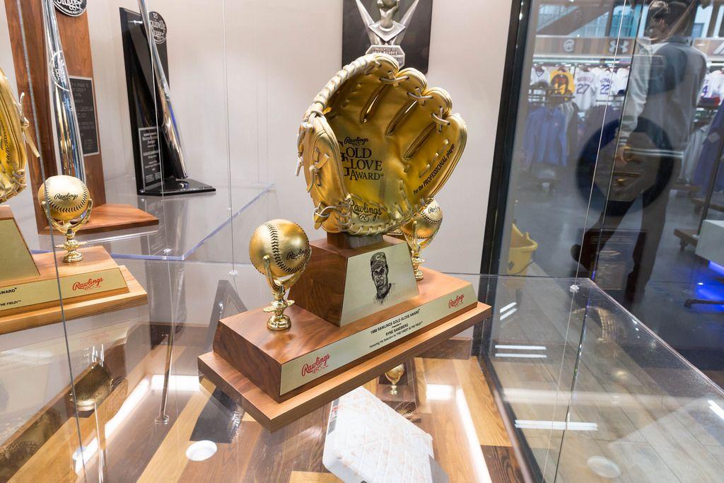 Die Auszeichnung Rawlings Gold Glove Award aus 1987 - Wrigley Field, Chicago