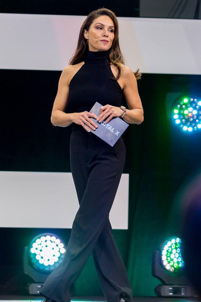 Die bezaubernde Nazan Eckes moderiert die Digital X in Köln