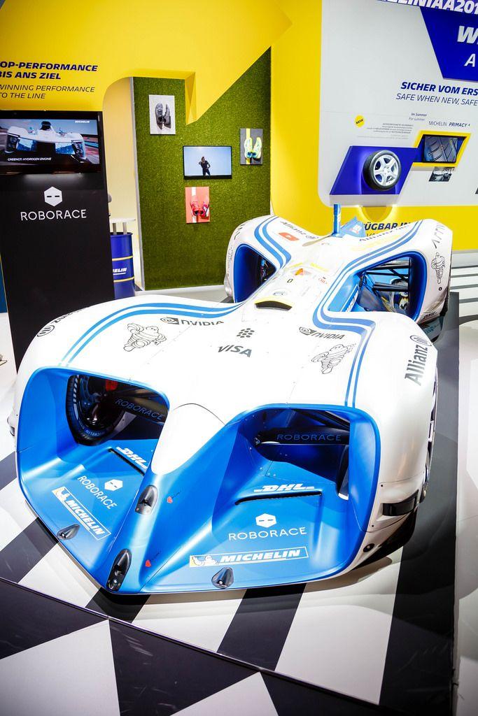Die weltweit erste Rennserie für autonome Elektrofahrzeuge von Roborace