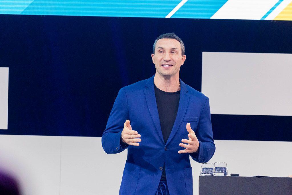 Dr. Wladimir Klitschko als Persönlichkeit und Investor über Leadership auf der Digital X in Köln