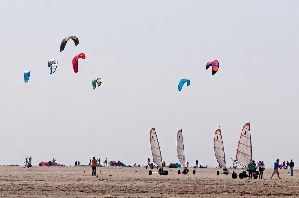 Drachenflieger und Kitebuggy in den Niederlanden (Renesse)
