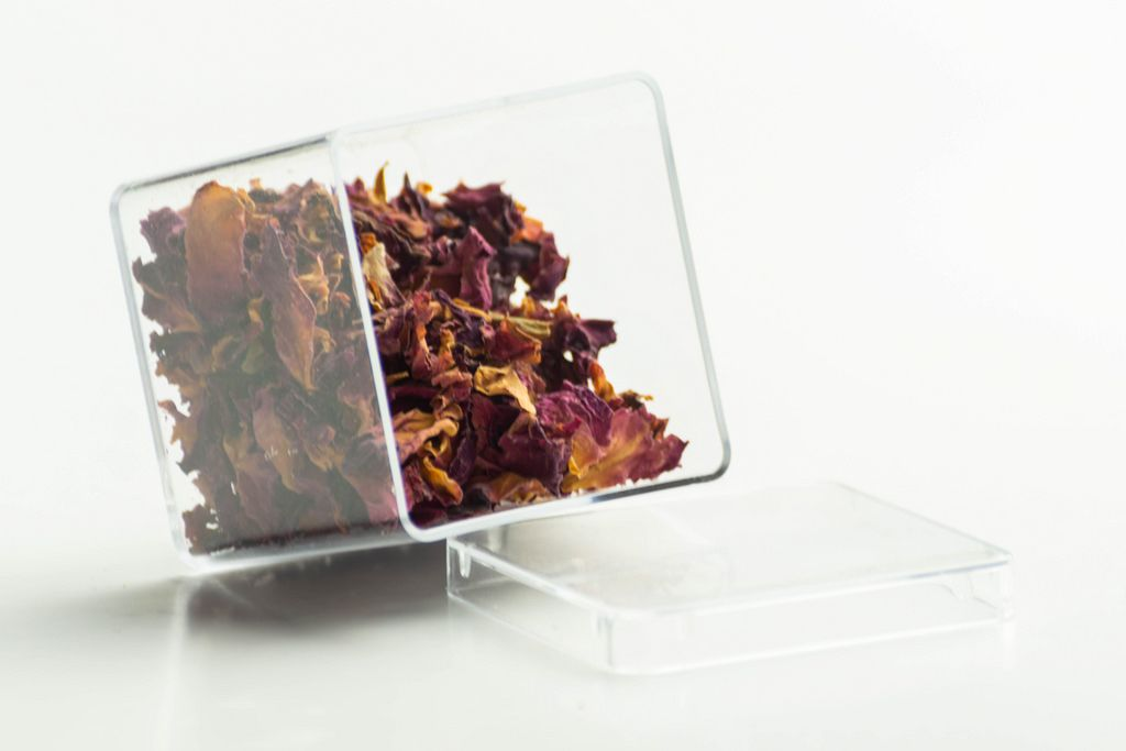 Dried rose petals in a transparent package