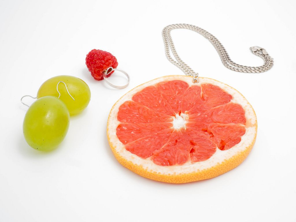 Edible jewelry made of fruit (Flip 2019) (Flip 2019) Flip 2019