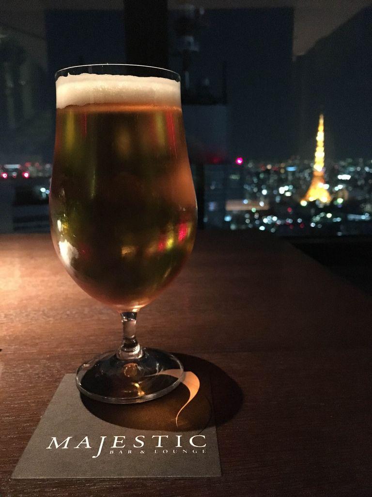 Ein Glas Bier - Bar & Lounge Majestic, Tokyo