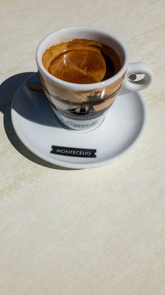 Ein kurzer Espresso in Peguera, Mallorca