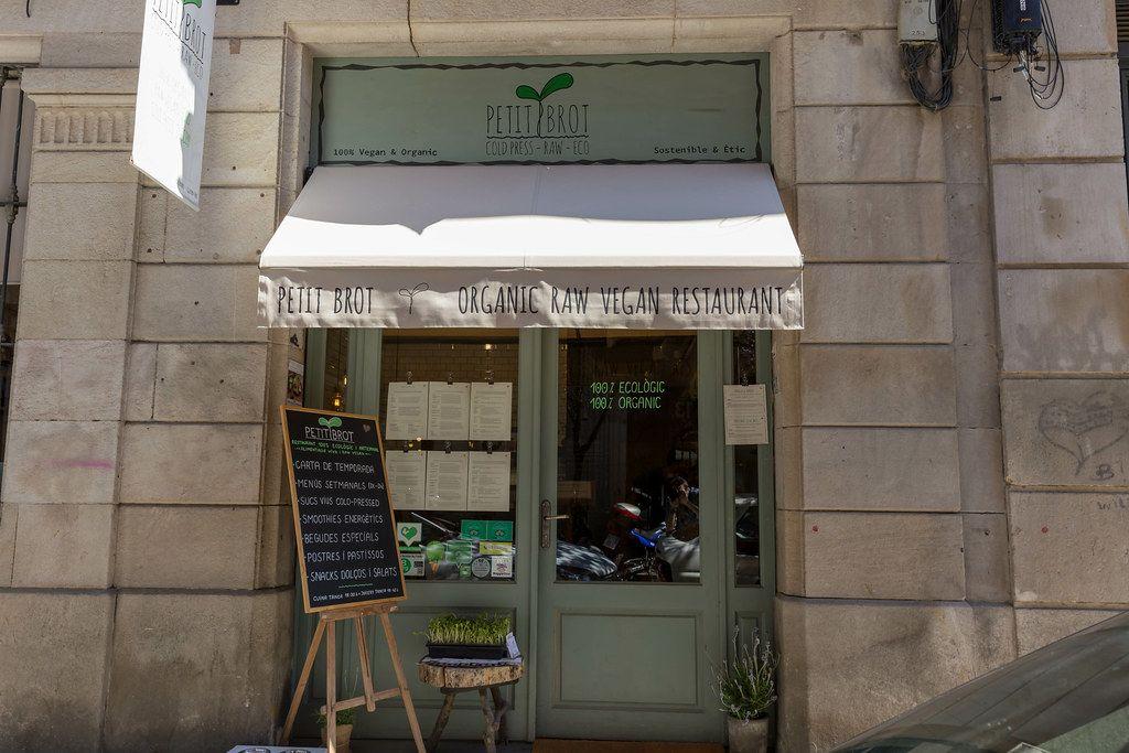 Eingang des veganen Bio-Restaurants