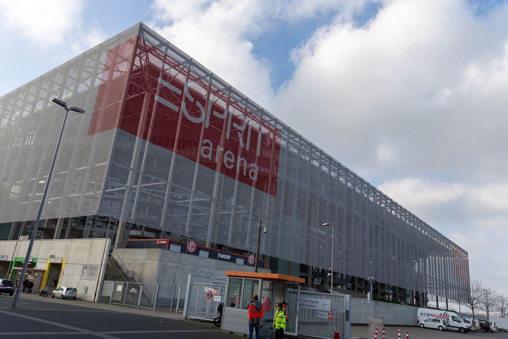 Eingang zur Esprit Arena in Düsseldorf