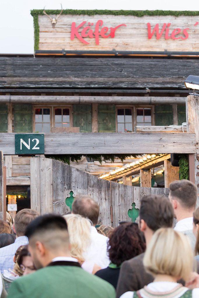 Eingang zur Käfer Wies'n-Schänke - Oktoberfest 2017