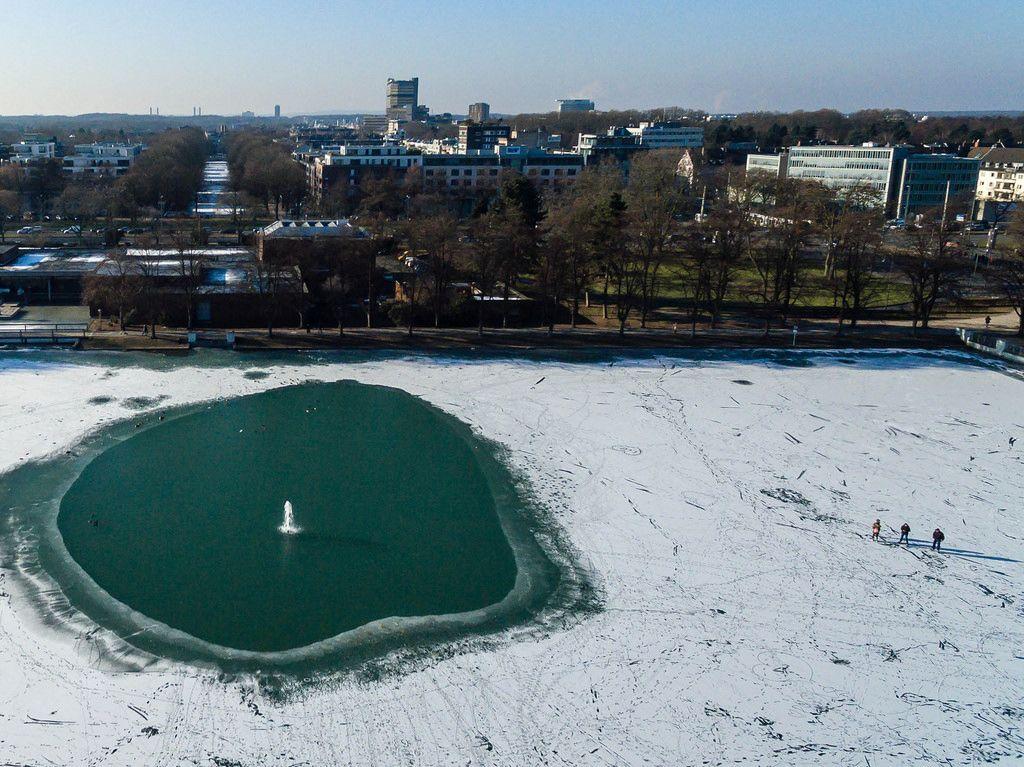 Eislaufen auf dem Aachener Weiher