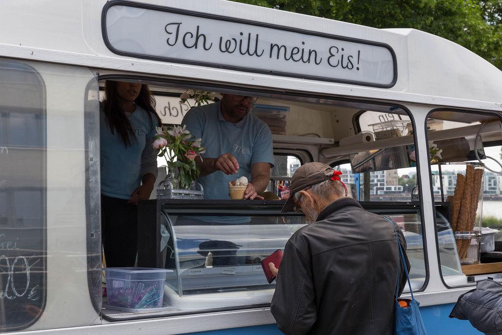 Eisstand: Ich will mein Eis!
