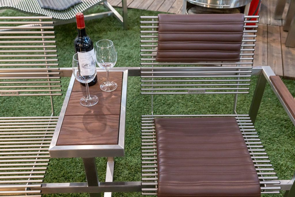 Elegante Gartenmöbel aus rostfreiem Edelstahl - Boot Düsseldorf 2018