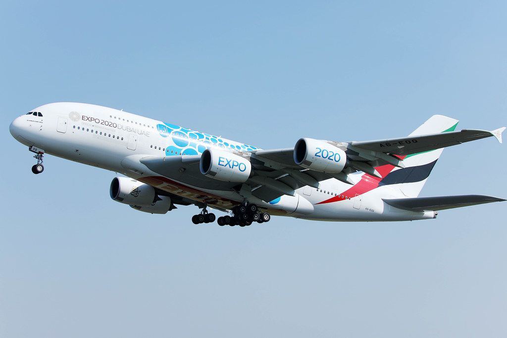 Emirates Airline Airbus A380-EXPO2020 in der Luft