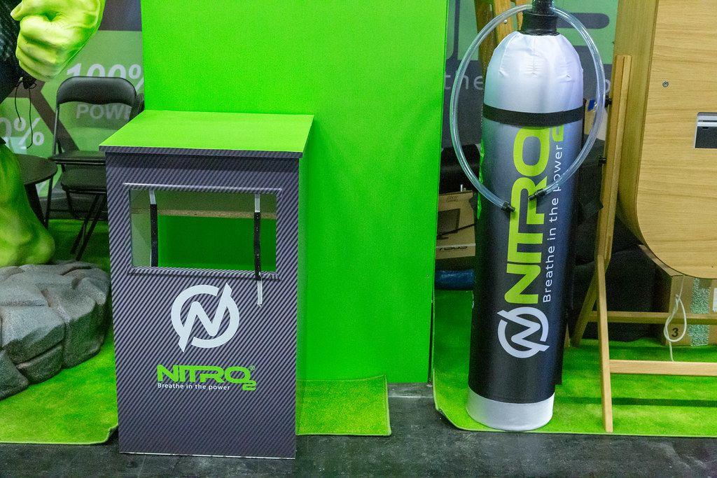 Energetisierendes Sauerstoffspray von Nitro 2 - Breathe in the power auf der internationalen Leitmesse Fibo in Köln