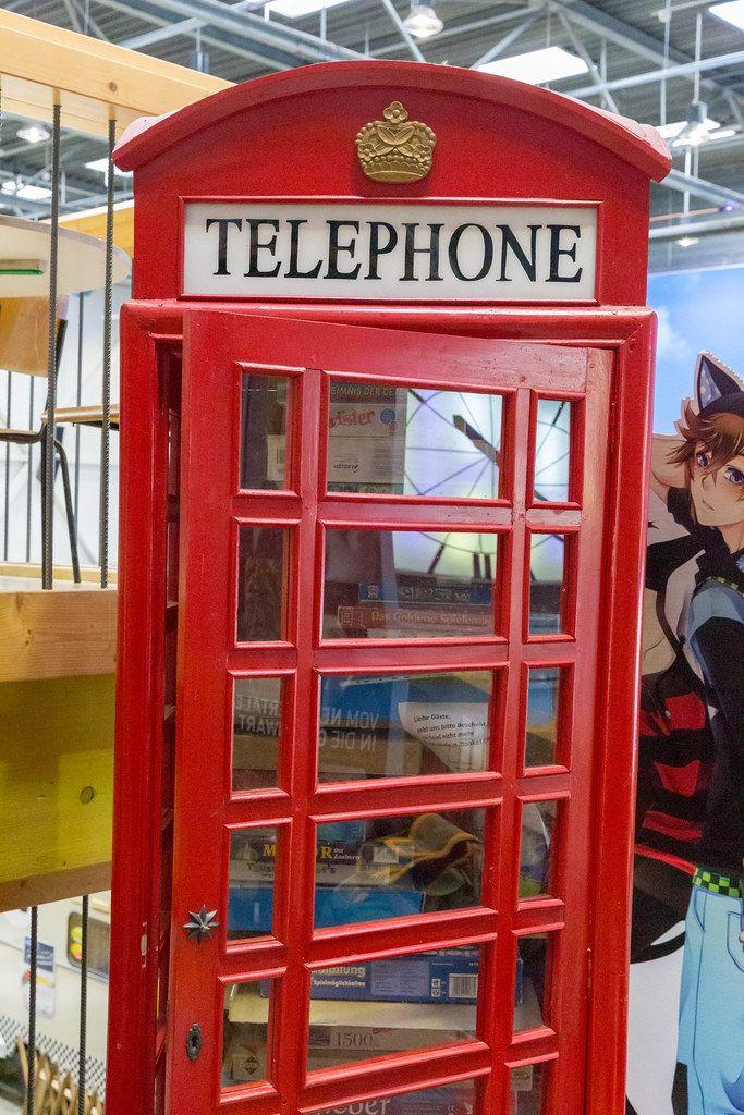 Englische Telefonzelle ausgestellt auf dem BarCamp in Bonn