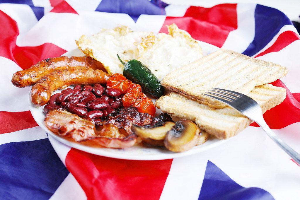 Englisches, traditionelles Gericht auf der Nationalflagge von Großbrittannien