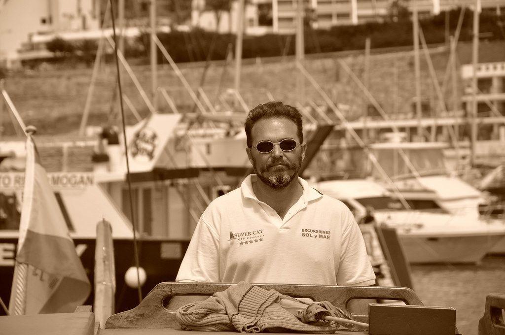 Erfahrener Kapitän vor seinem nächsten Ausflug