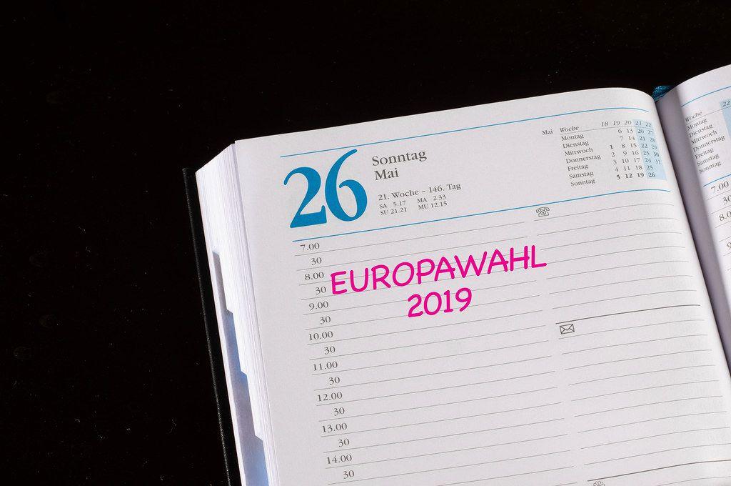 Erinnerung an die Europawahl 2019 in einem Kalender-Buch