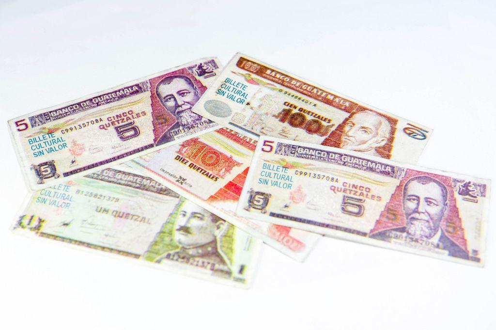 Fake quetzal bills