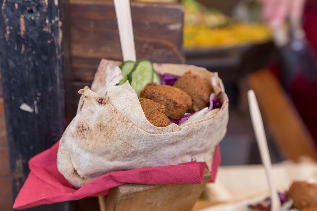 Falafel with red cabbage and cucumber