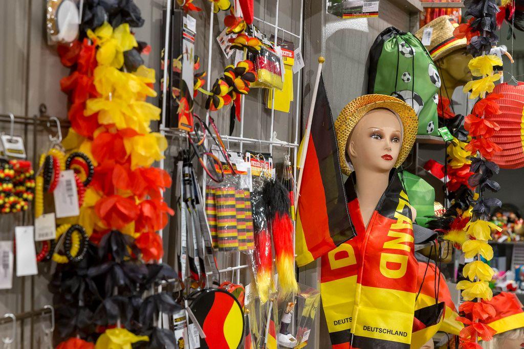 Fan-Artikel für Fans der deutschen Fußballnationalmannschaft - IAW Köln 2018