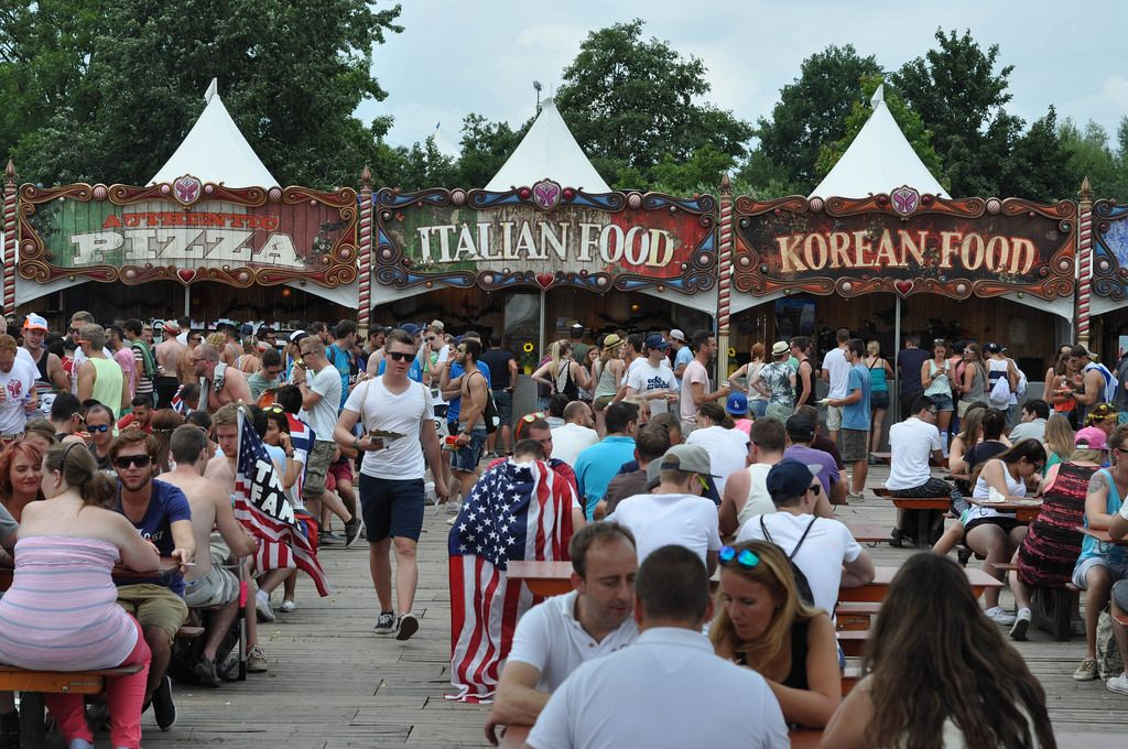 Fast food - Musikfestival Tomorrowland 2014
