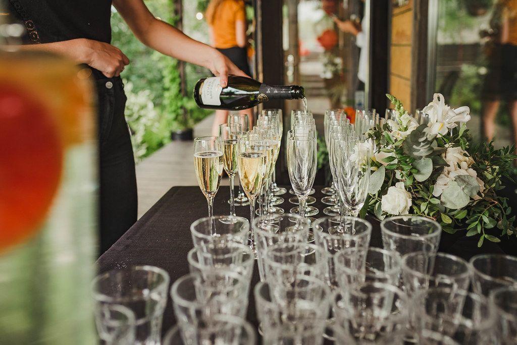 Filling Champagne Glasses (Flip 2019)