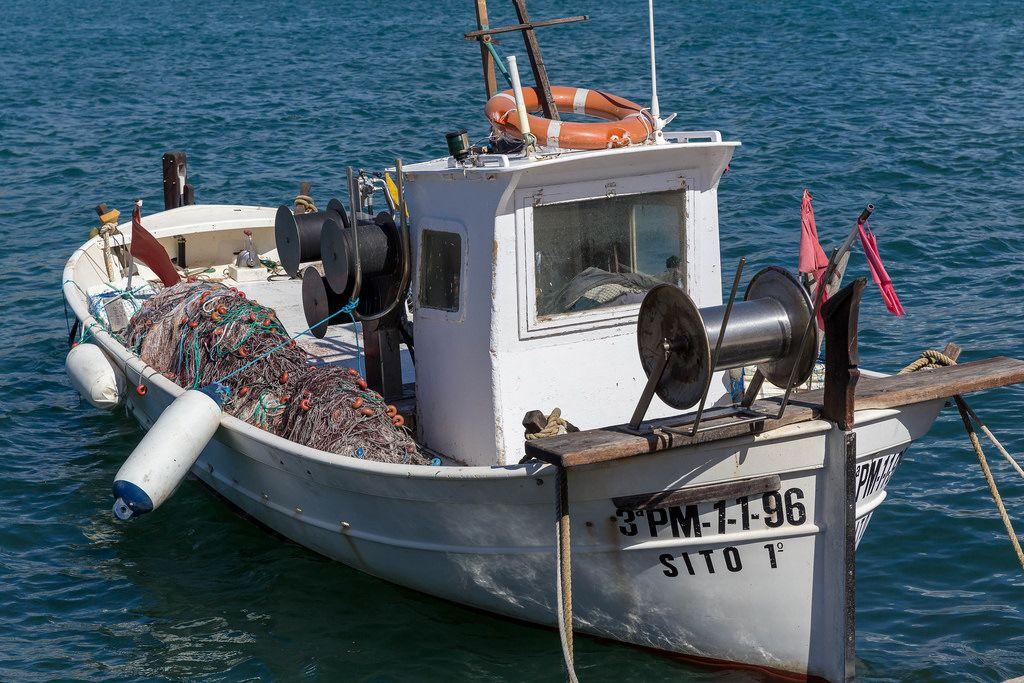 Fischerboot im Yachthafen von Puerto de Andraitx, Mallorca
