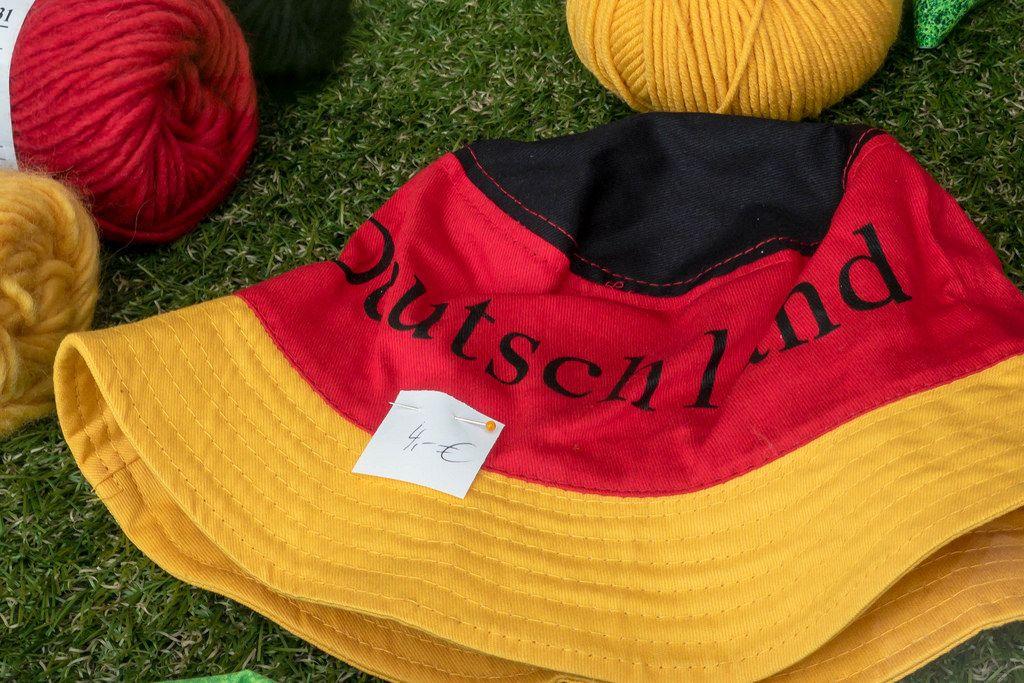 Fischerhut in Schwarz-Rot-Gold mit Aufschrift Deutschland