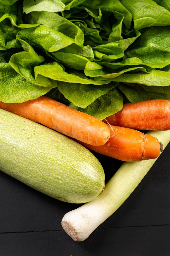 Flache Lage über frischem Gemüse