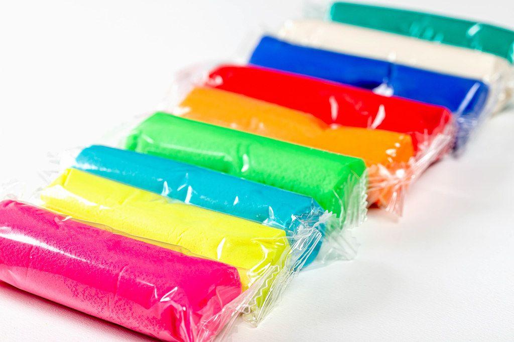 Fluorescent multi-colored plasticine for children (Flip 2019)