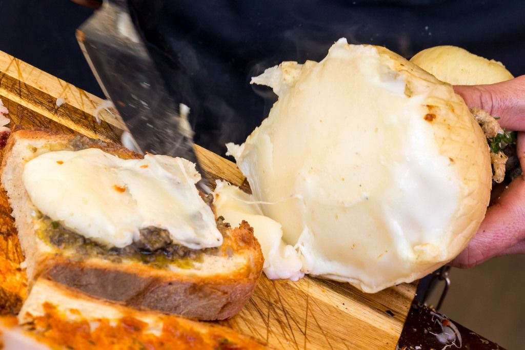 Flüssiger Provolino-Käse