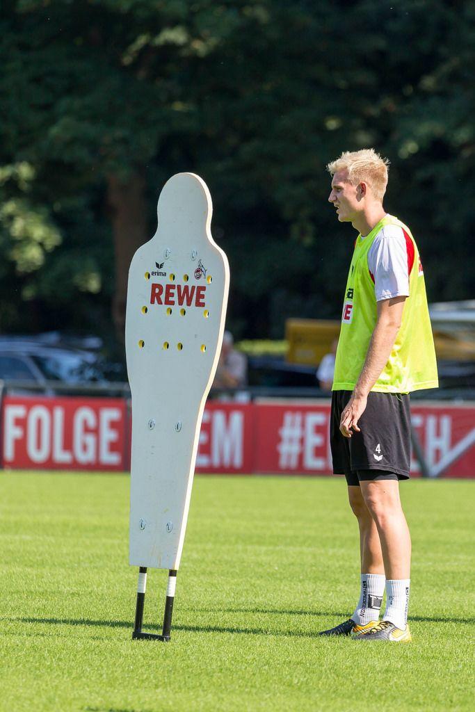 Frederik Sørensen beim Training - 1. FC Köln