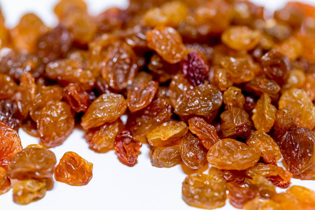 Fresh raisins close-up