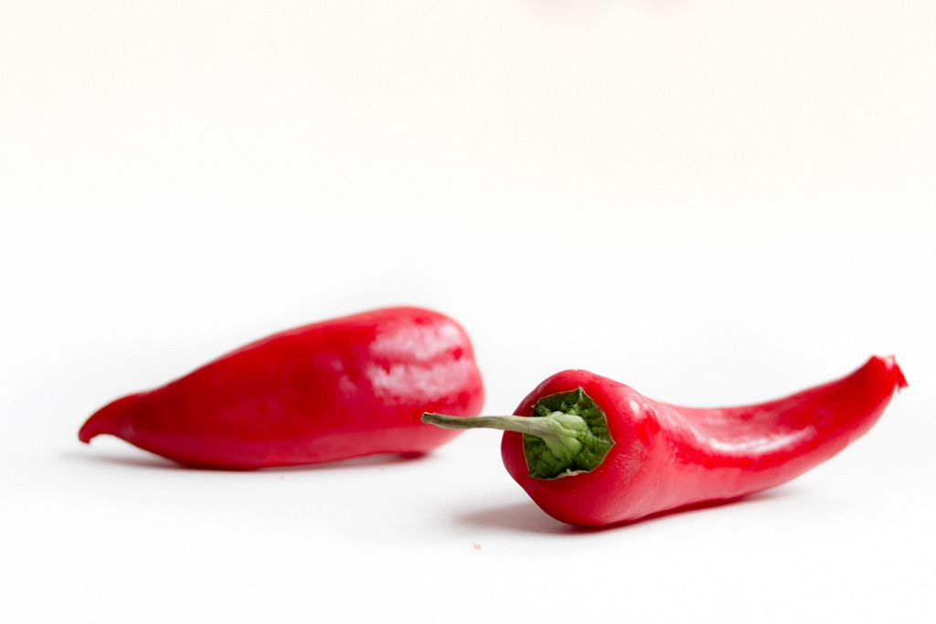 Fresh red peppers / Frische Paprika
