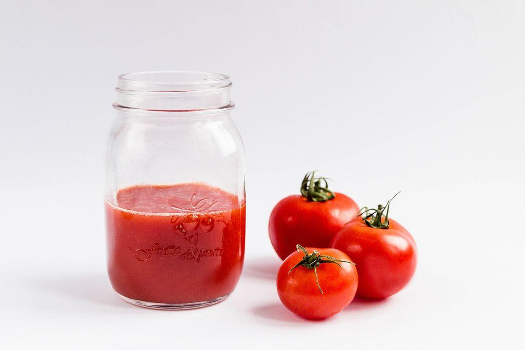 Frisch gepresster Tomatensaft
