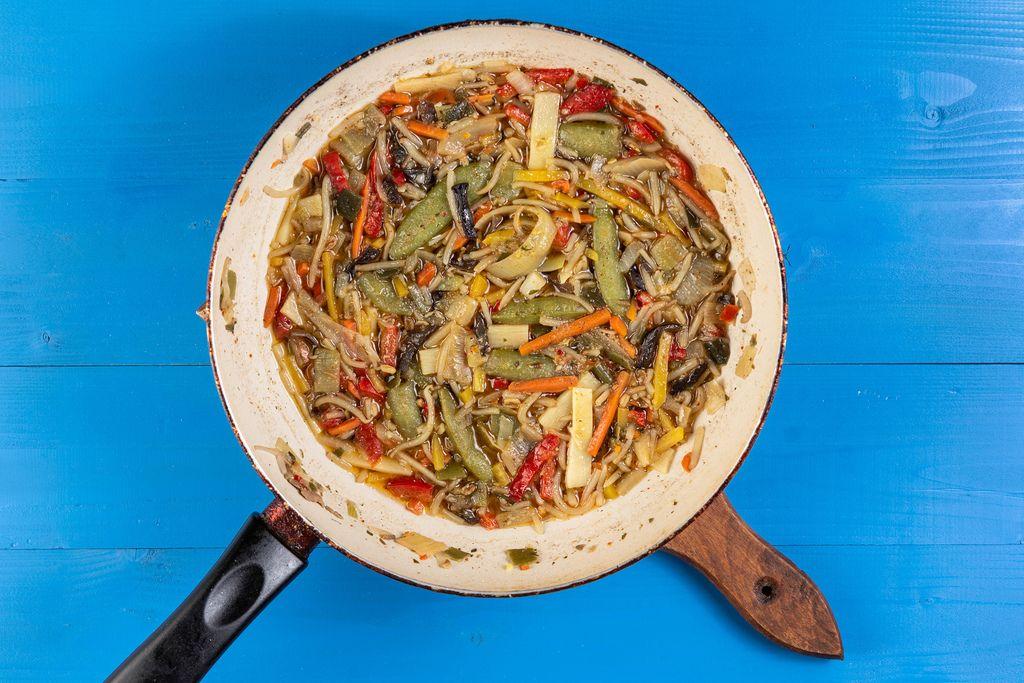 Frying Vegetables in the frying pan (Flip 2019)