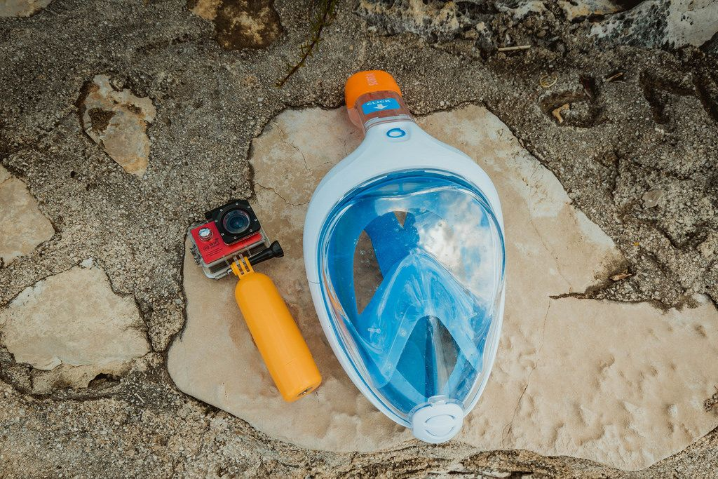 Full face snorkeling mask and underwater camera
