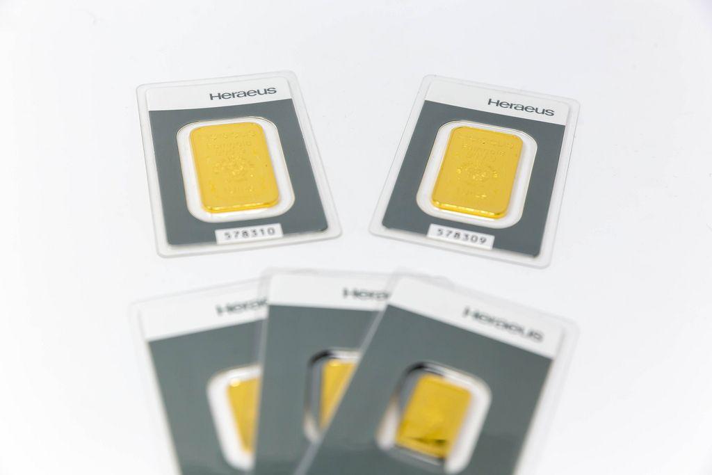 Fünf Heraeus Goldbarren im Packung