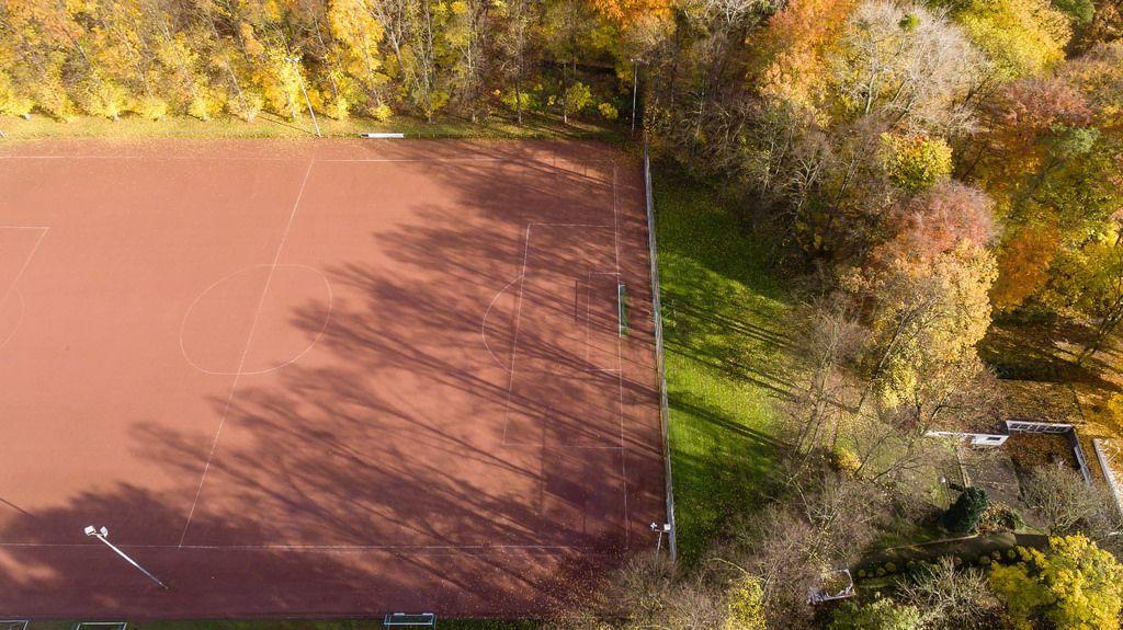 Fußballspielplatz in Buchheim, Köln - Luftbildaufnahme