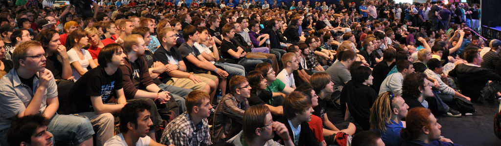 Gamescom 2011: Zuschauer eines Show Matches