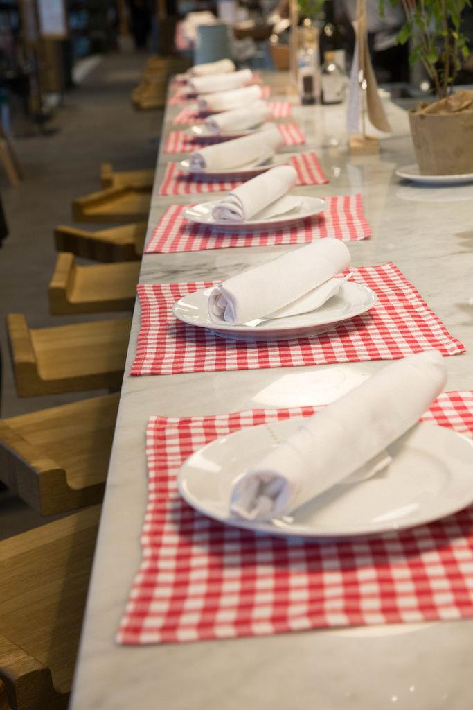 Gedeckte Tische in Eataly München
