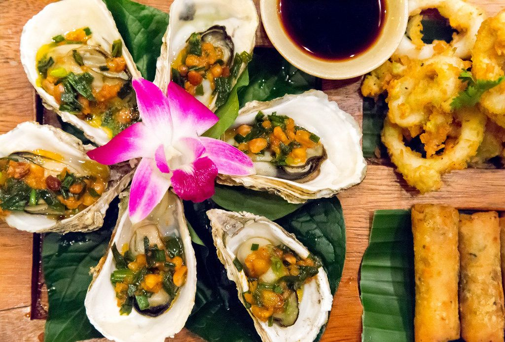 Gegrillte Austern mit Salsa-Soße