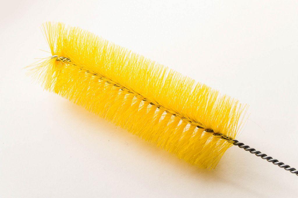 Gelbe Gläserbürste
