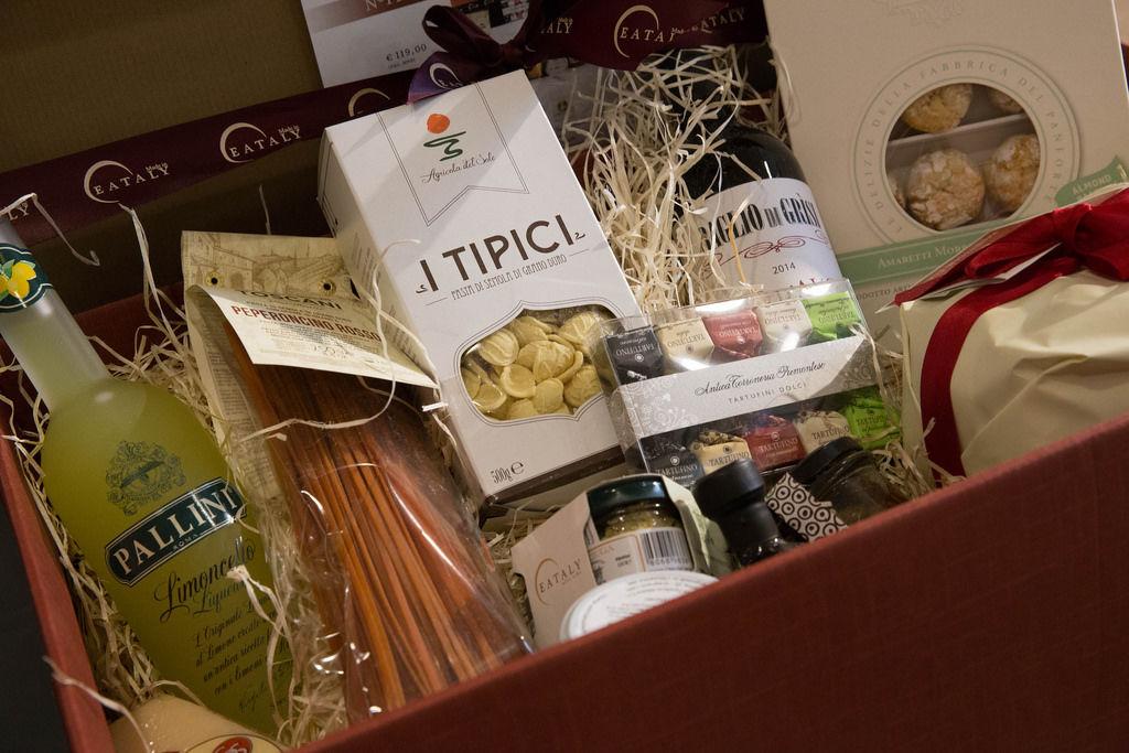 Geschenkset Eataly: Limoncello, Pasta und Tartufini