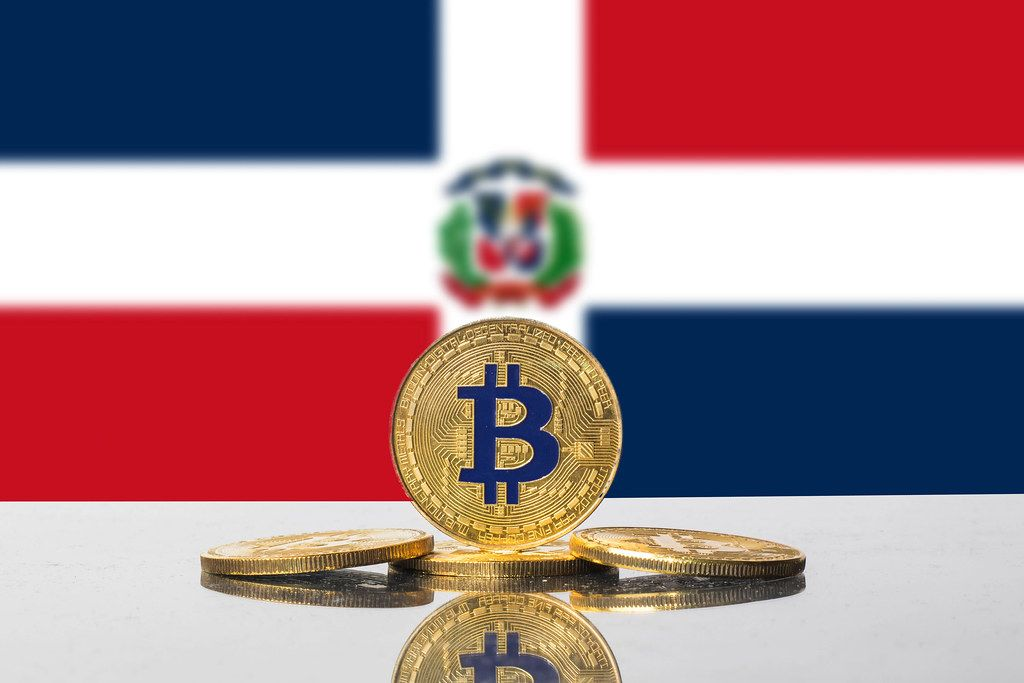 Golden Bitcoin and flag of Dominican Republic