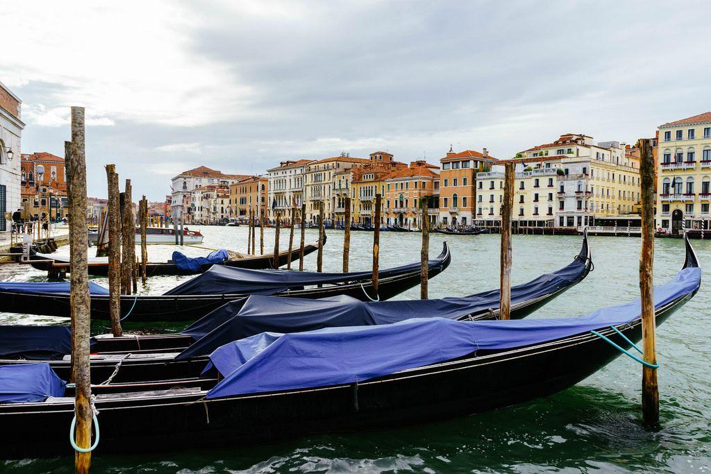 Gondolas parking