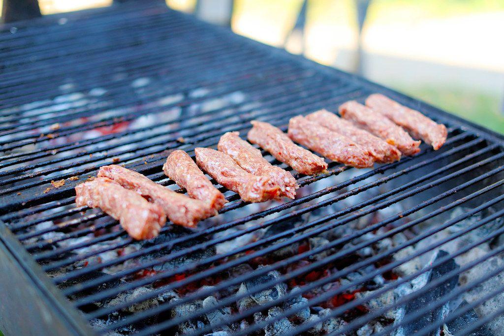 Grilled minced meat rolls (Flip 2019)